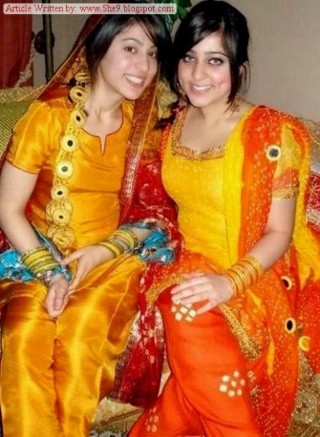 Wedding-Bridal-Hair-Cuts-Style-New-Latest-Fashion-for-Mehndi-Party-Function-6