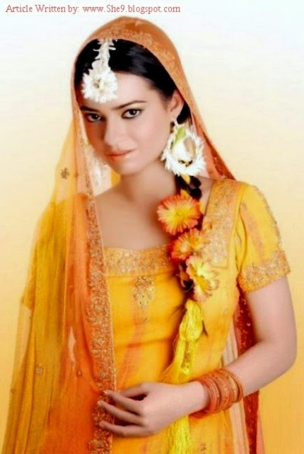 Wedding-Bridal-Hair-Cuts-Style-New-Latest-Fashion-for-Mehndi-Party-Function-9