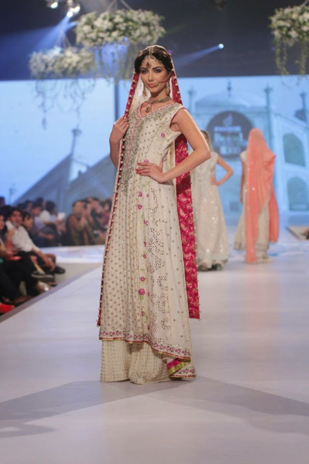 Wedding-Bridal-New-Fashion-Wear-Dress-for-Beautiful-Girls-at- PBCW-by-Designer-Sana-Abbas-2