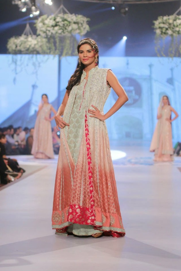 Wedding-Bridal-New-Fashion-Wear-Dress-for-Beautiful-Girls-at- PBCW-by-Designer-Sana-Abbas-3