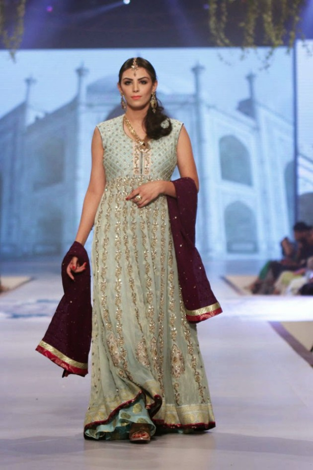 Wedding-Bridal-New-Fashion-Wear-Dress-for-Beautiful-Girls-at- PBCW-by-Designer-Sana-Abbas-6