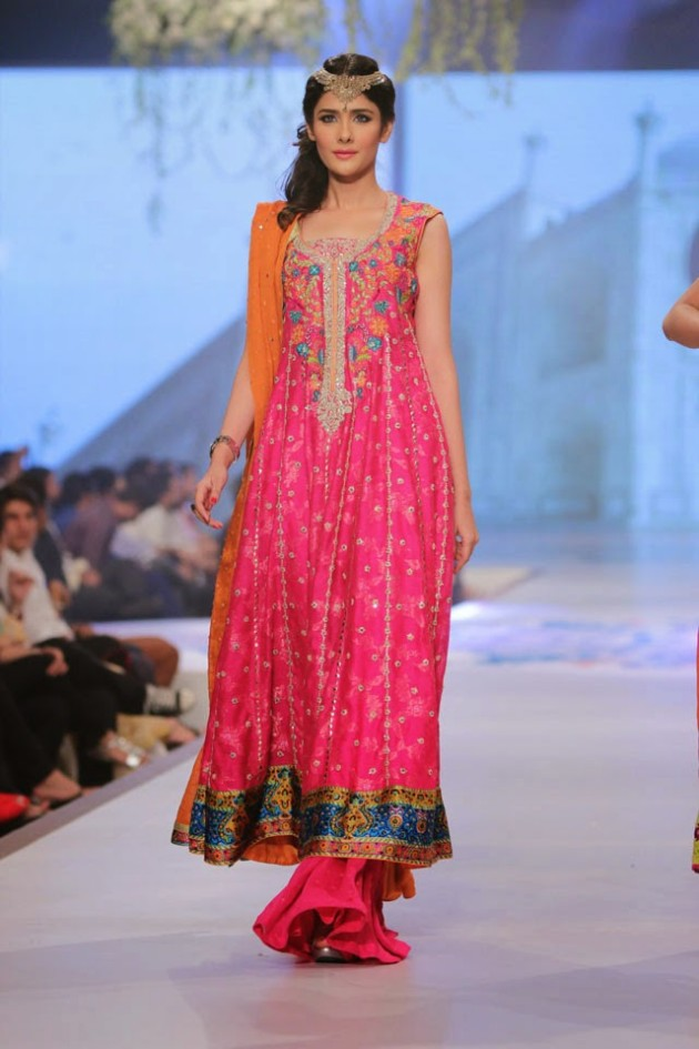 Wedding-Bridal-New-Fashion-Wear-Dress-for-Beautiful-Girls-at- PBCW-by-Designer-Sana-Abbas-8
