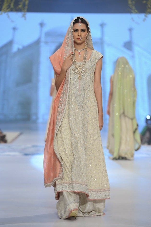 Wedding-Bridal-New-Fashion-Wear-Dress-for-Beautiful-Girls-at- PBCW-by-Designer-Sana-Abbas-9