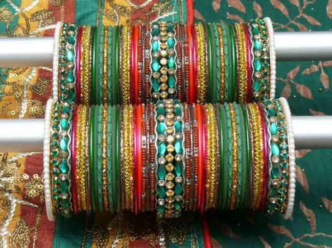 Women-Ladies-Girls-New-Style-Of-Beautiful-Bangles-Choorian-Latest-Trend-India-Pakistan-