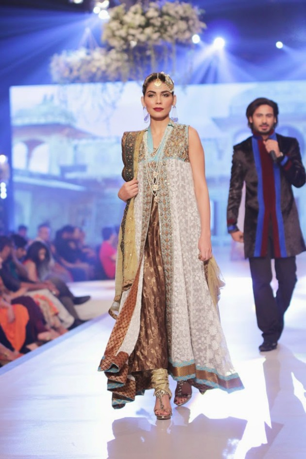 Bridal-Wedding-New-Fashion-Style-Dress-at-PBCW-by-Designer-Uzma-Babar-7