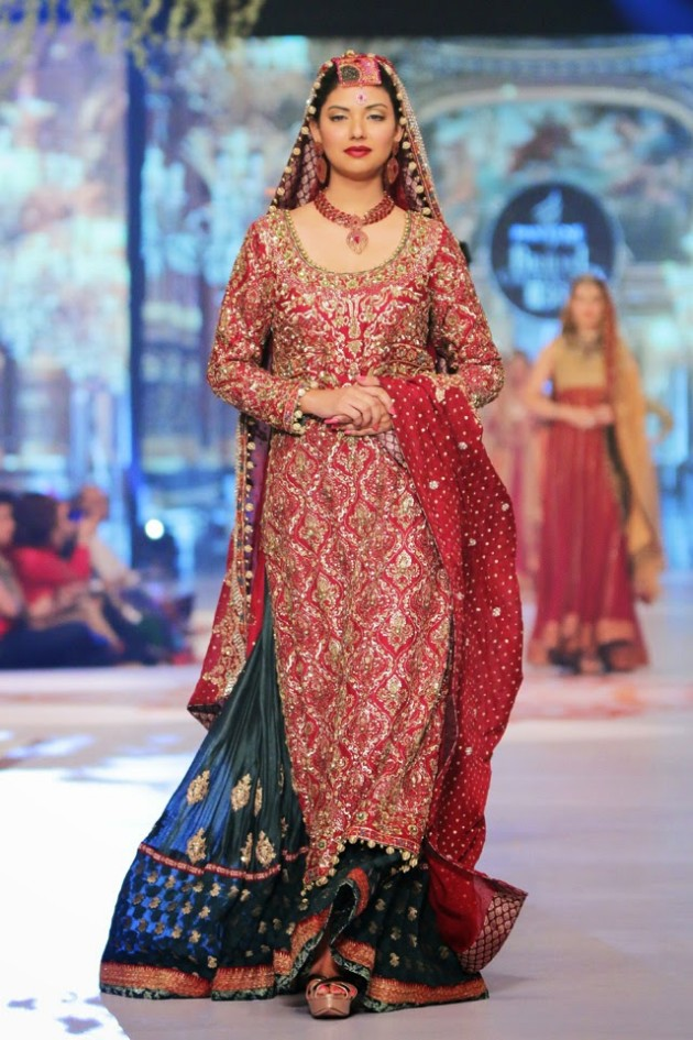 Bridal-Wedding-New-Fashion-Style-Dress-at-PBCW-by-Designer-Uzma-Babar-