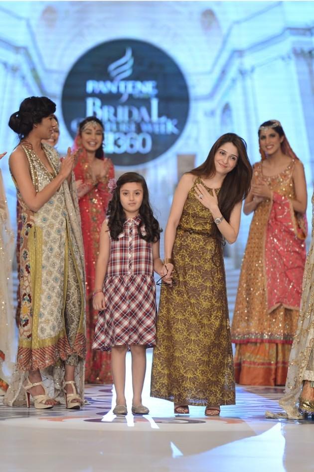 Bridal-Wedding-Wear-Suits-Fashion-Show-at-PBCW-by-Dress-Designer-Teena-Durrani-11