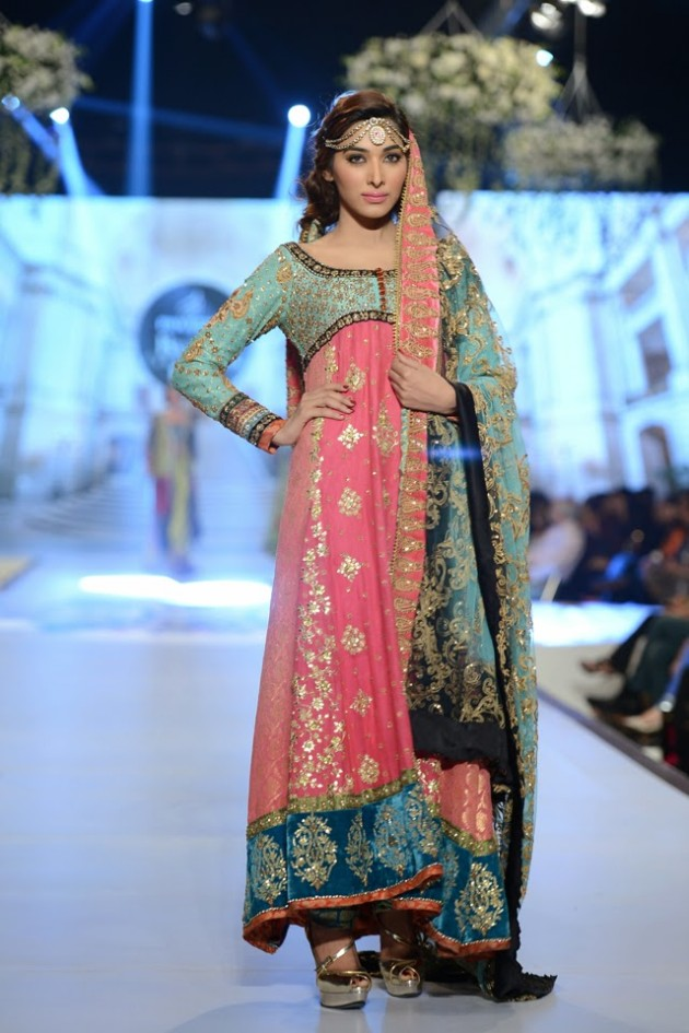 Bridal-Wedding-Wear-Suits-Fashion-Show-at-PBCW-by-Dress-Designer-Teena-Durrani-2