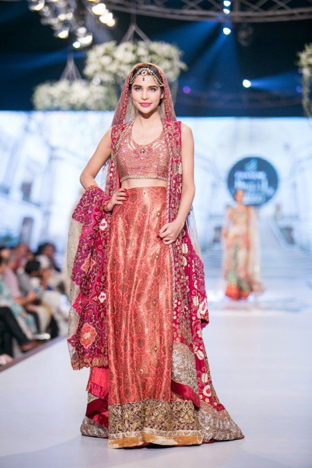 Bridal-Wedding-Wear-Suits-Fashion-Show-at-PBCW-by-Dress-Designer-Teena-Durrani-7