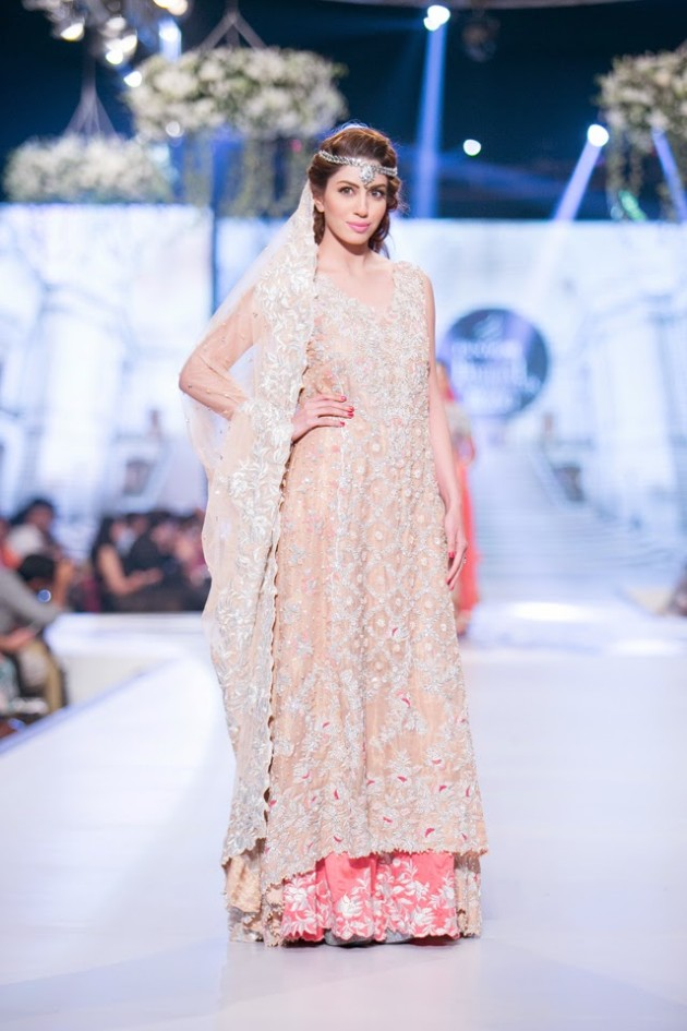Bridal-Wedding-Wear-Suits-Fashion-Show-at-PBCW-by-Dress-Designer-Teena-Durrani-8