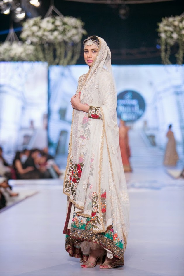 Bridal-Wedding-Wear-Suits-Fashion-Show-at-PBCW-by-Dress-Designer-Teena-Durrani-9