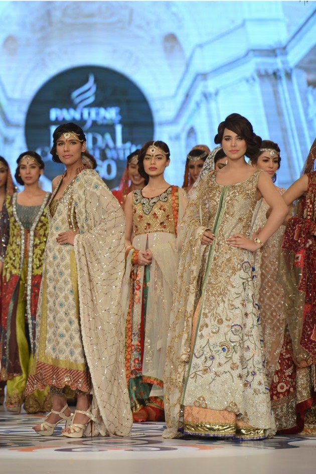 Bridal-Wedding-Wear-Suits-Fashion-Show-at-PBCW-by-Dress-Designer-Teena-Durrani-
