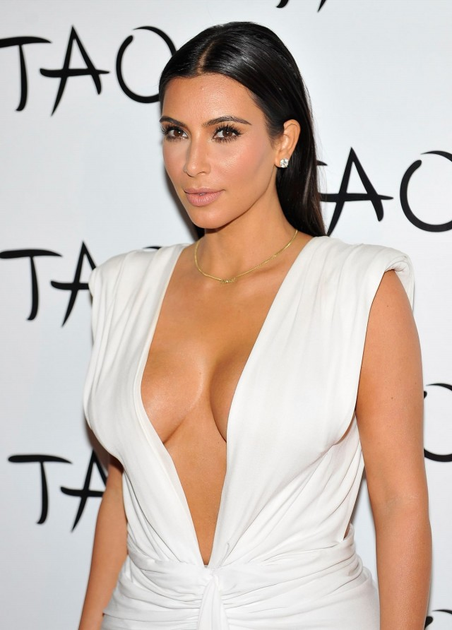 Kim-Kardashian-at-her-Birthday-Party-at-Tao-Nightclub-in-Las-Vegas-Photo-Pictures-5