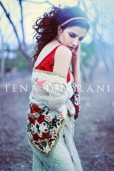 Wedding-Bridal-Wearing-New-Fashion-Suits-Fall-Dress-by-Designer-Tena-Durrani-12