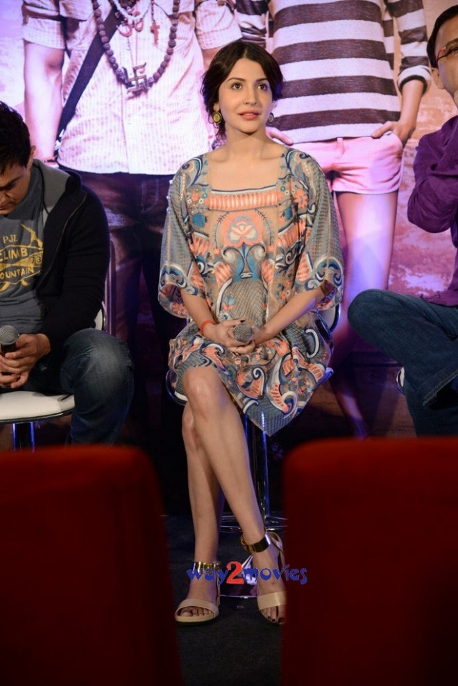 Aamir Khan and Anushka Sharma at PK Movie Promotion in Hyderabad Pictures-Photos-9