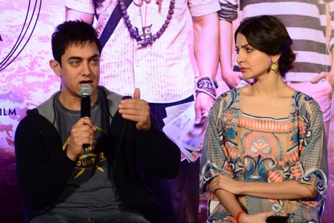 Aamir Khan and Anushka Sharma at PK Movie Promotion in Hyderabad Pictures-Photos-