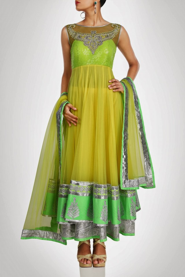 Anarkali-Fancy-Umbrella-Long-Frocks-by-Vandana-Sethi-New-Fashion-Dress-Designer-4