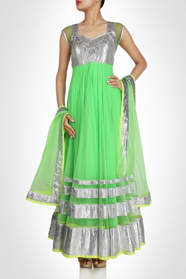 Anarkali-Fancy-Umbrella-Long-Frocks-by-Vandana-Sethi-New-Fashion-Dress-Designer-5