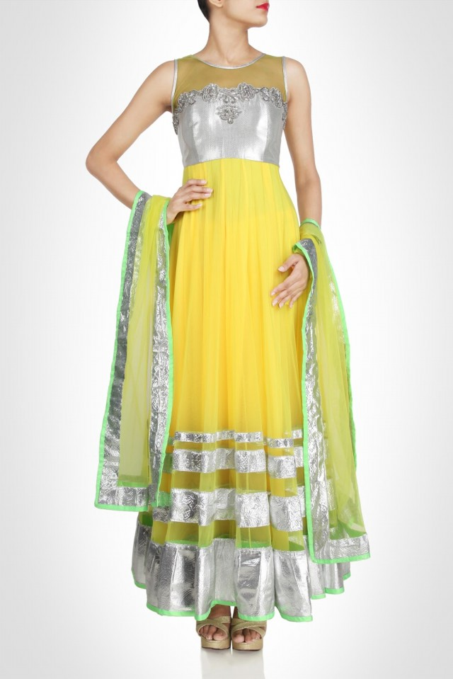 Anarkali-Fancy-Umbrella-Long-Frocks-by-Vandana-Sethi-New-Fashion-Dress-Designer-6