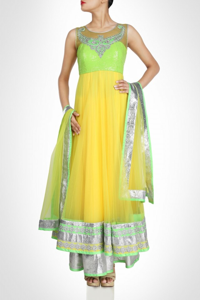 Anarkali-Fancy-Umbrella-Long-Frocks-by-Vandana-Sethi-New-Fashion-Dress-Designer-7