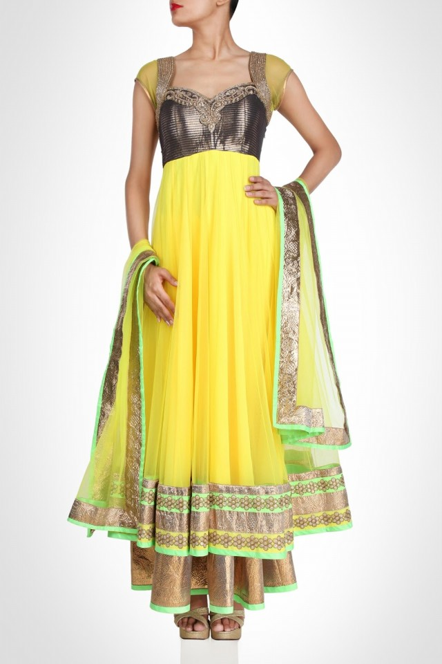 Anarkali-Fancy-Umbrella-Long-Frocks-by-Vandana-Sethi-New-Fashion-Dress-Designer-9