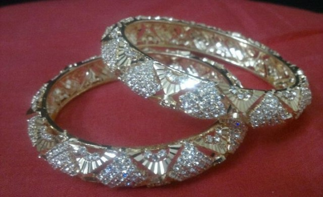 Indian Bridal-Wedding Wear Gold Bracelet Bangles Chura For