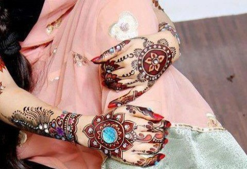 Bridal-Wedding Amazing Latest Henna Mehndi Designs for Girls-Dulhan Hands-13