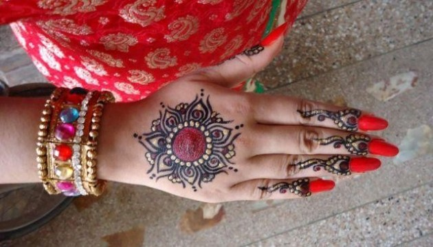 Bridal-Wedding Amazing Latest Henna Mehndi Designs for Girls-Dulhan Hands-3