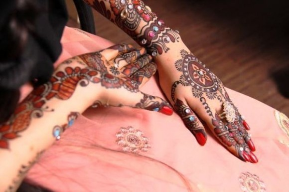 Bridal-Wedding Amazing Latest Henna Mehndi Designs for Girls-Dulhan Hands-7