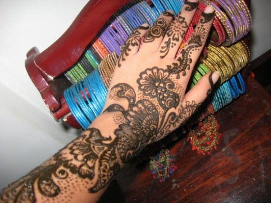 Bridal-Wedding Amazing Latest Henna Mehndi Designs for Girls-Dulhan Hands-9