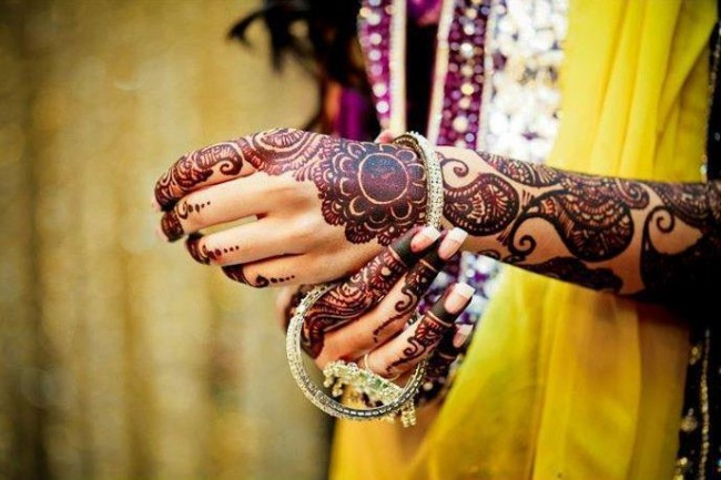 Bridal-Wedding Amazing Latest Henna Mehndi Designs for Girls-Dulhan Hands-