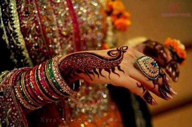 Bridal-Wedding Henna Mehndi Designs New Best Mehndi for Hand-Feet-3