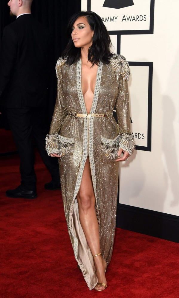 Kim-Kardashian-at-2015-Grammy-Awards-in-Los-Angeles-Images-Photos-4