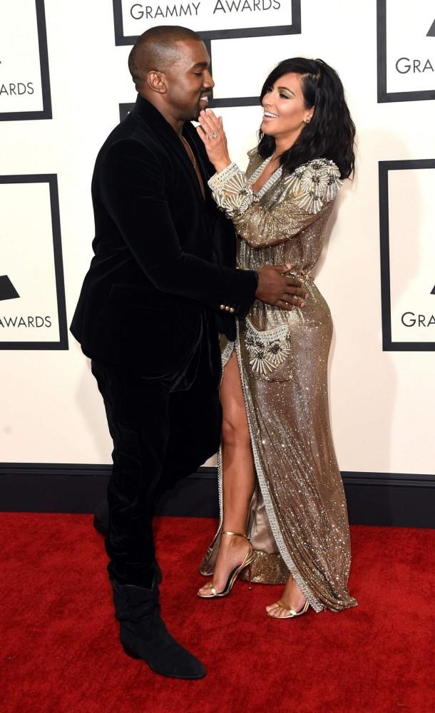 Kim-Kardashian-at-2015-Grammy-Awards-in-Los-Angeles-Images-Photos-7