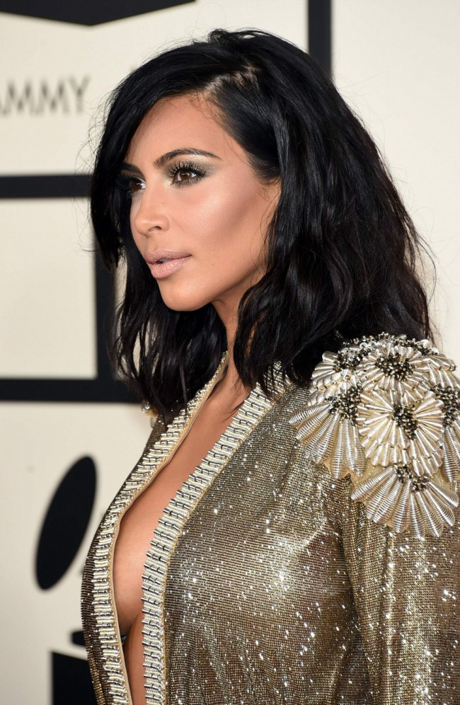 kim-kardashian-at-2015-grammy-awards-in-