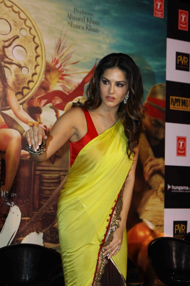 Sunny-Leone-in-Ek-Paheli-Leela-Movie-Trailer-Launch-Photos-Pictures-4