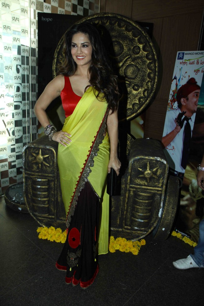 Sunny-Leone-in-Ek-Paheli-Leela-Movie-Trailer-Launch-Photos-Pictures-7