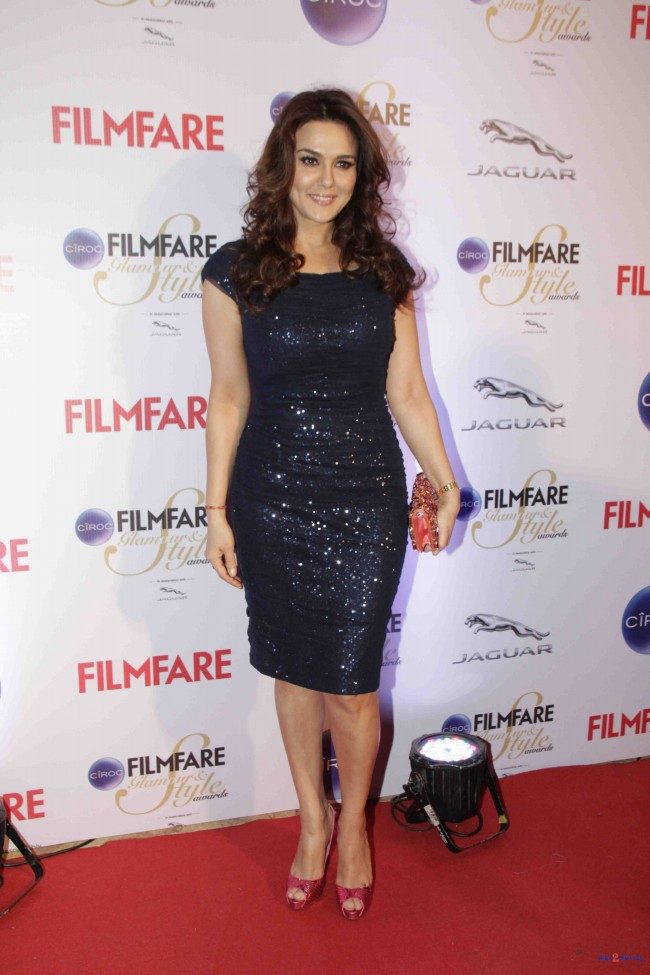 Bollywood-Indian-Movies-Celebrities-Actresses-Models-at-Ciroc-Filmfare-Glamour-Style-Awards-5