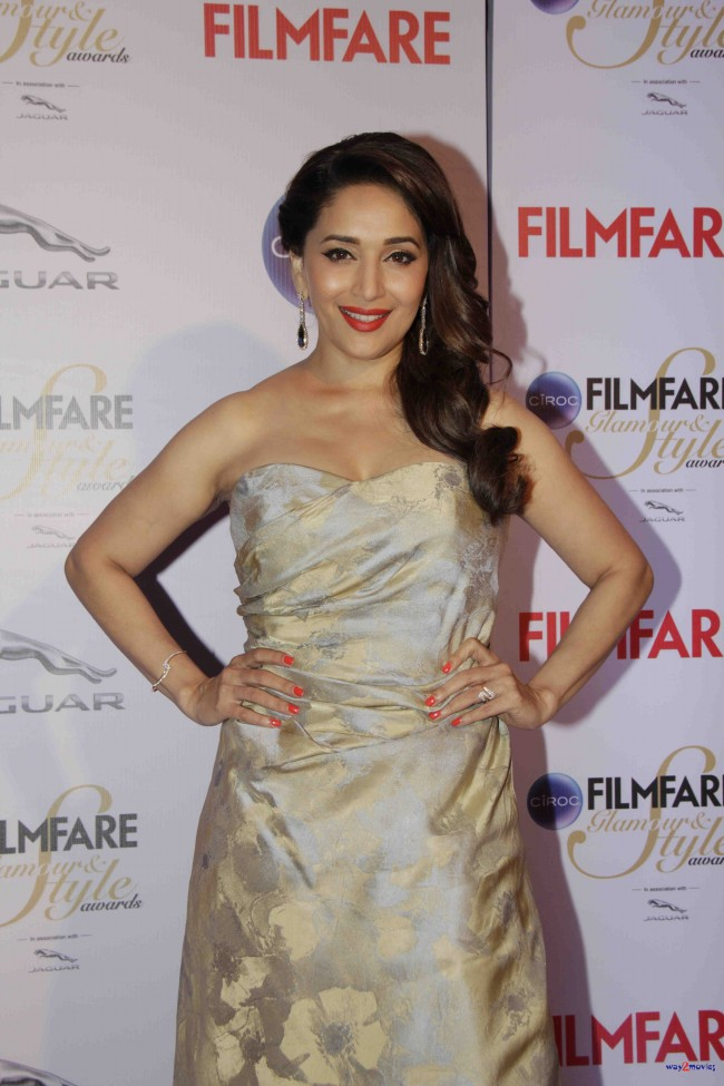 Bollywood-Indian-Movies-Celebrities-Actresses-Models-at-Ciroc-Filmfare-Glamour-Style-Awards-6
