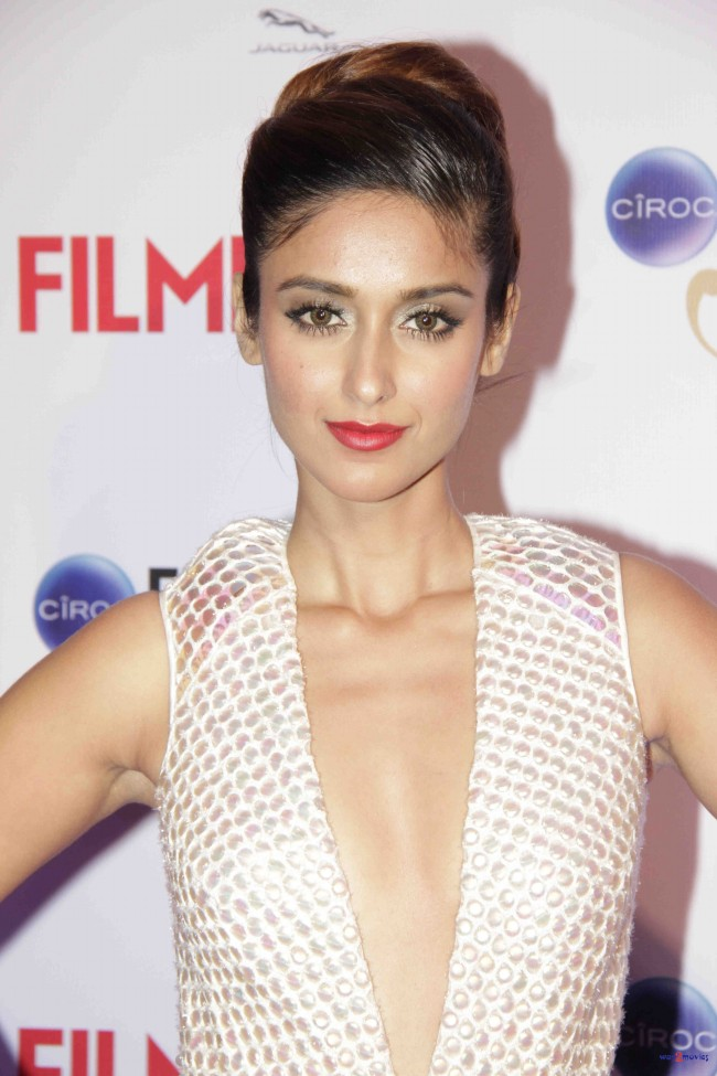 Bollywood-Indian-Movies-Celebrities-Actresses-Models-at-Ciroc-Filmfare-Glamour-Style-Awards-7