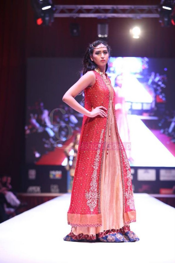 Dress Designer Umsha by Uzma Babar International Wedding-Bridal Fashion Show in Qatar-2