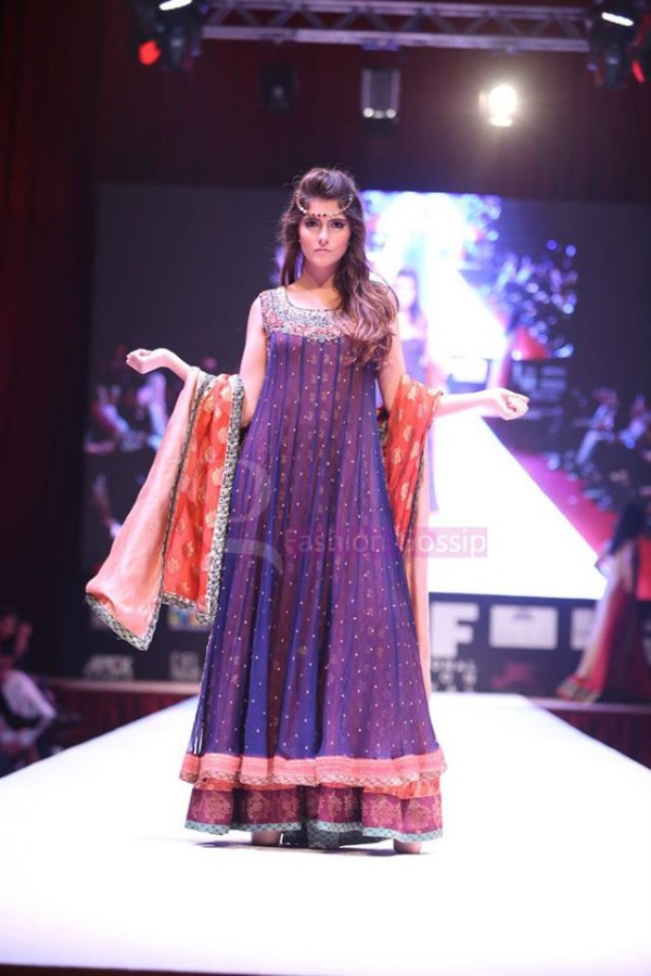 Dress Designer Umsha by Uzma Babar International Wedding-Bridal Fashion Show in Qatar-3