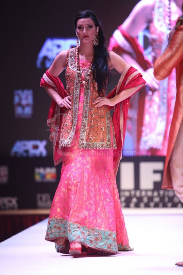 Dress Designer Umsha by Uzma Babar International Wedding-Bridal Fashion Show in Qatar-7