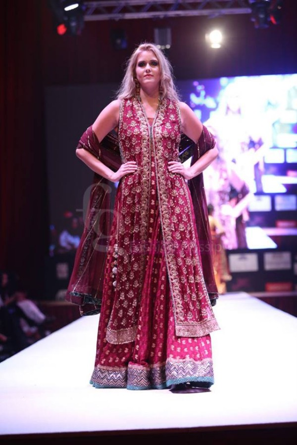 Dress Designer Umsha by Uzma Babar International Wedding-Bridal Fashion Show in Qatar-9