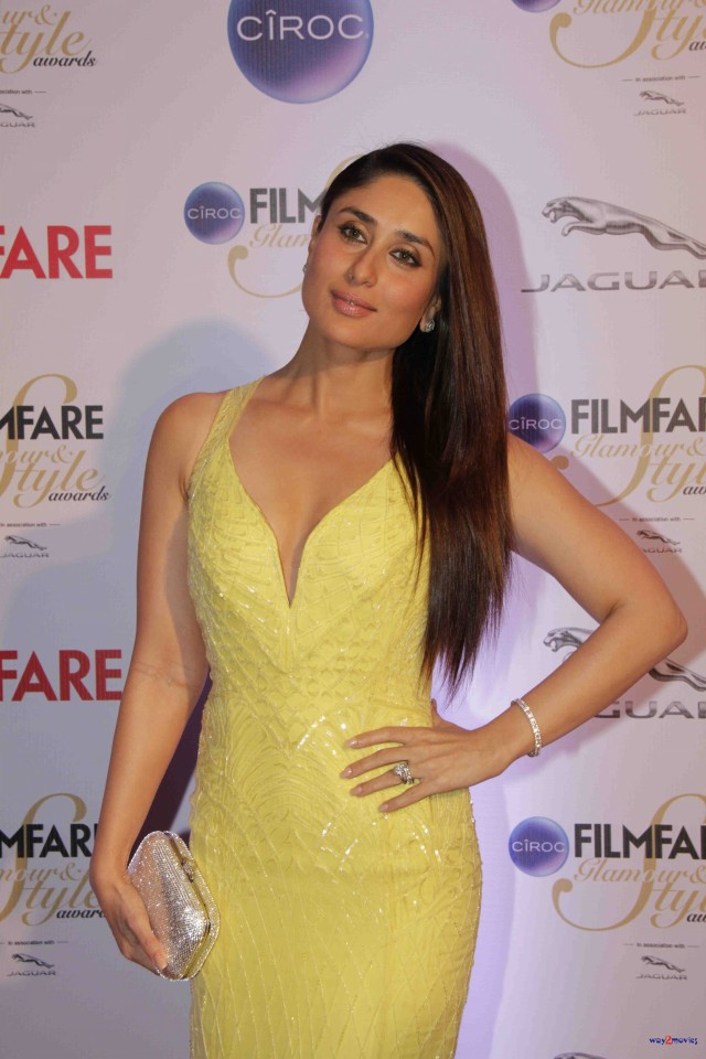 Kareena Kapoor at Ciroc Filmfare Glamour Style Award in Mumbai India Photoshoot-Pictures-3