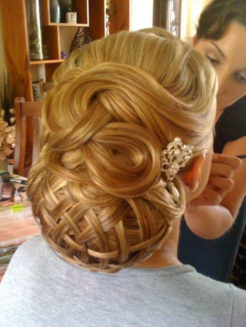 Stylish Western Wedding-Bridal Hairstyles for for Brides and Night-Evening Party Receptions-4