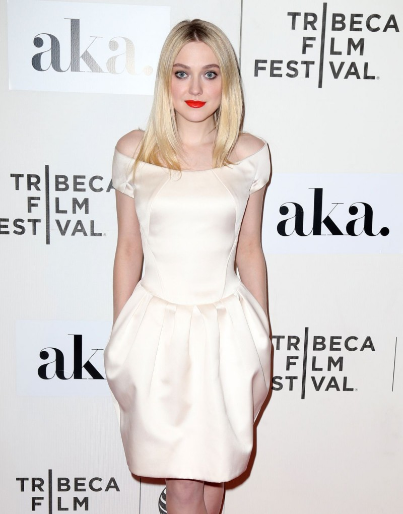 Dakota Fanning at Franny Premiere in New York HD Wallpapers-1