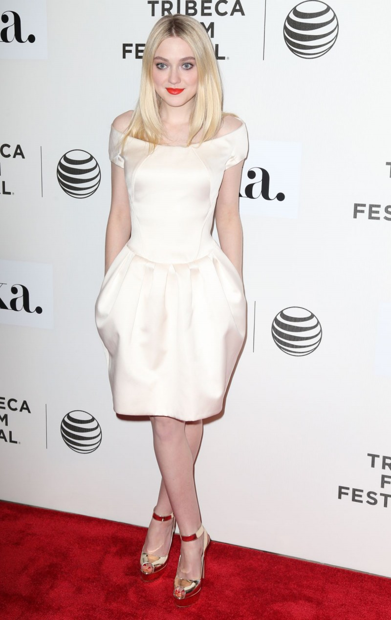 Dakota Fanning at Franny Premiere in New York HD Wallpapers-7