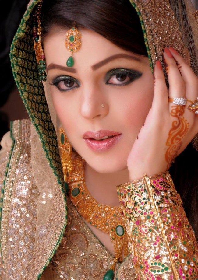 New Look Beautiful Eid-Chand Raat Best Mehndi Design For Girls Hands-3