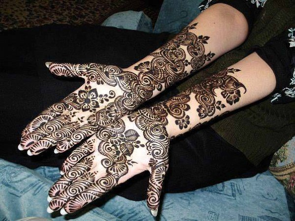 New Look Beautiful Eid-Chand Raat Best Mehndi Design For Girls Hands-5